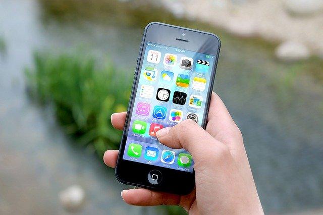 אייפון חדש בעלות נמוכה שיכנס לייצור המוני בפברואר